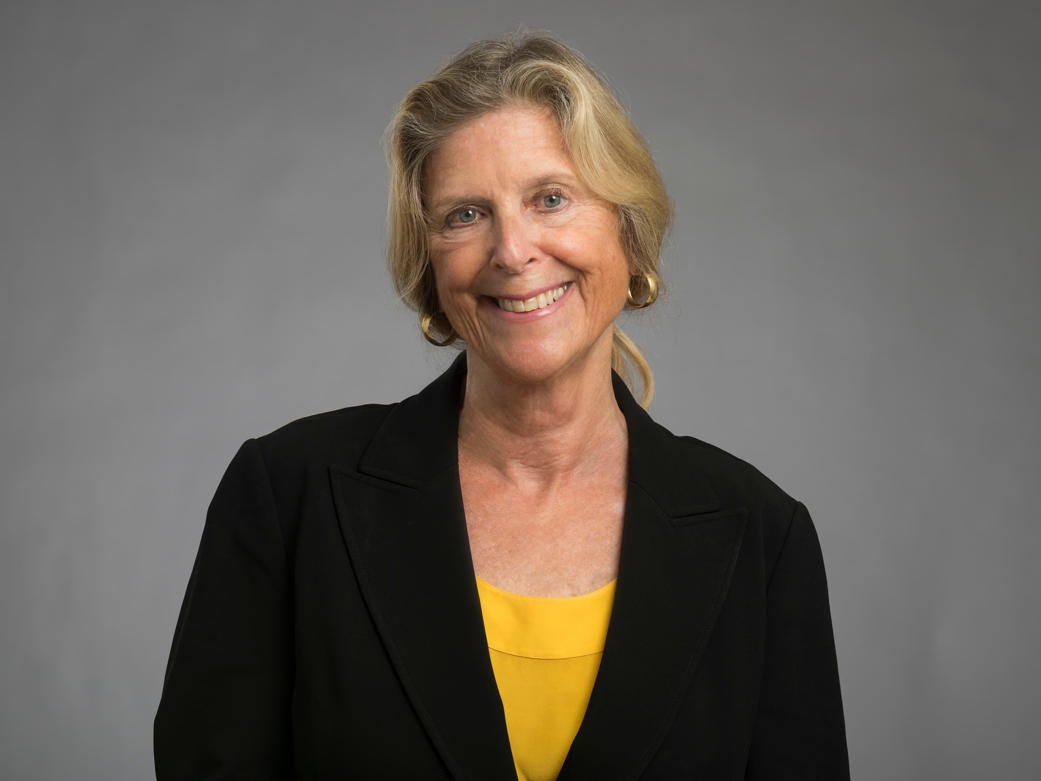 Stephanie V  Cavanaugh, MD | Faculty | Rush University