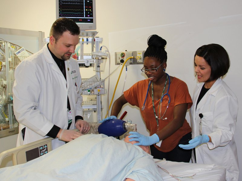 Rush University Student Receiving Respiratory Therapy Education through the M.S. in Respiratory Care Program.